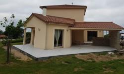 Création d'une terrasse couverte et extérieure
